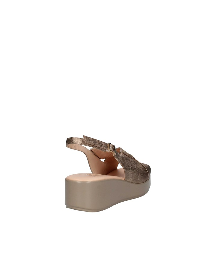 CONFORT Sandals with wedge CHAMPAGNE